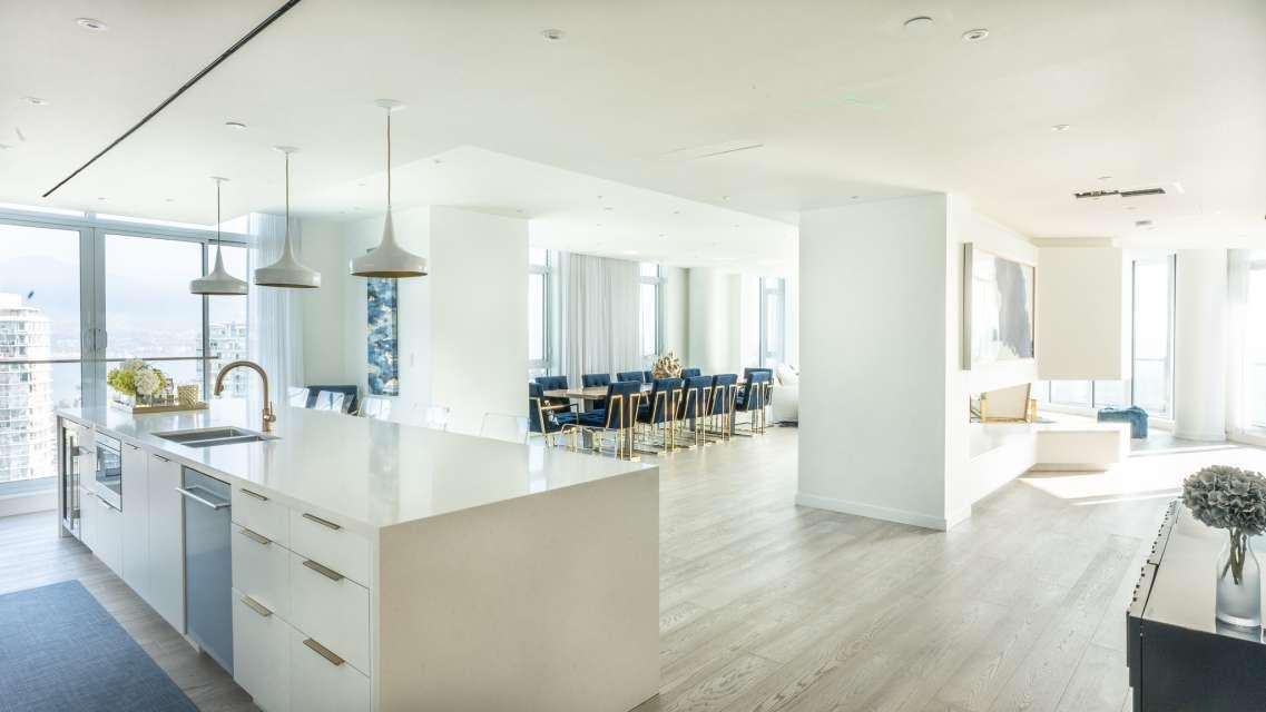 Executive Seawall Penthouse, Breathtaking Views