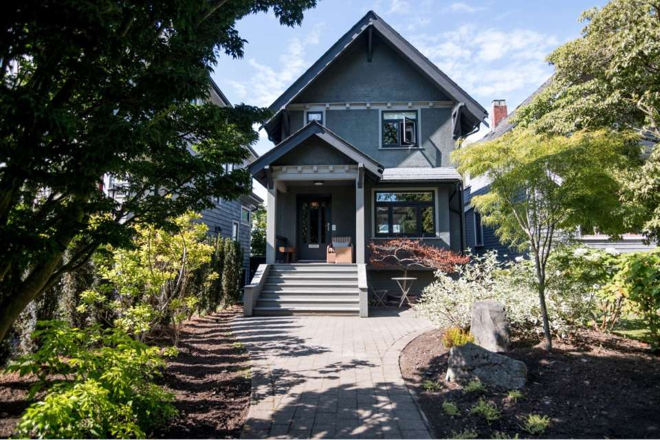 Contemporary, Furnished, 3 bedroom House in Kitsilano