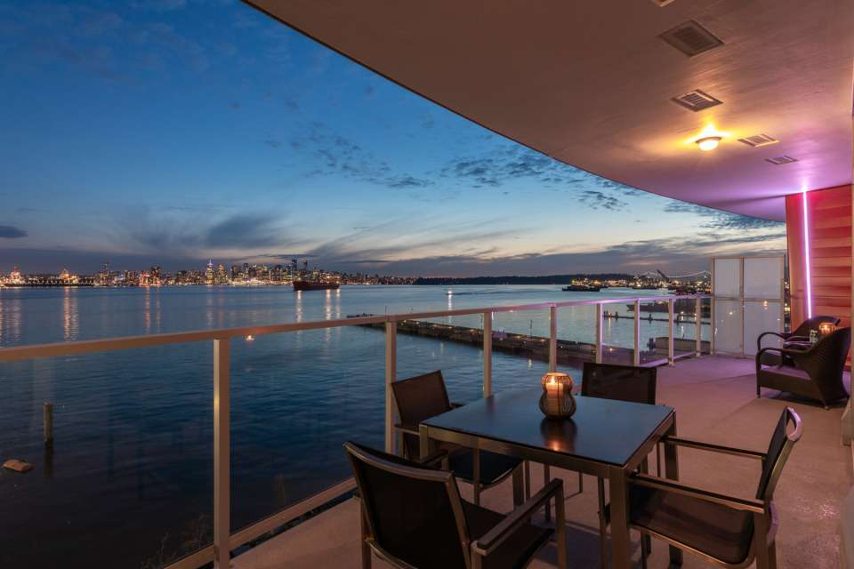 Lonsdale Quay 3 Bedroom & baths with amazing views